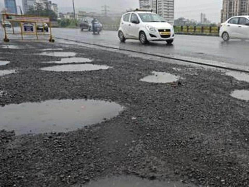 Mumbai civic body,Road scam,Mumbai roads