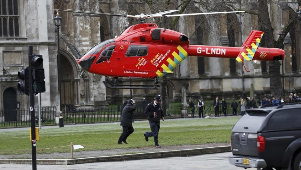 An air ambulance lands in Parliament Square during an incident on Westminster Bridge in London, Britain March 22, 2017.  (Stefan Wermuth / REUTERS)