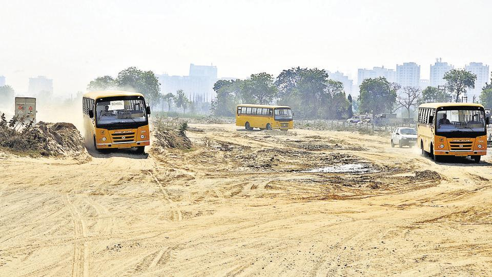 An uncompleted patch of Northern Peripheral road (Dwarka Expressway) near Sector 84A in Gurgaon.