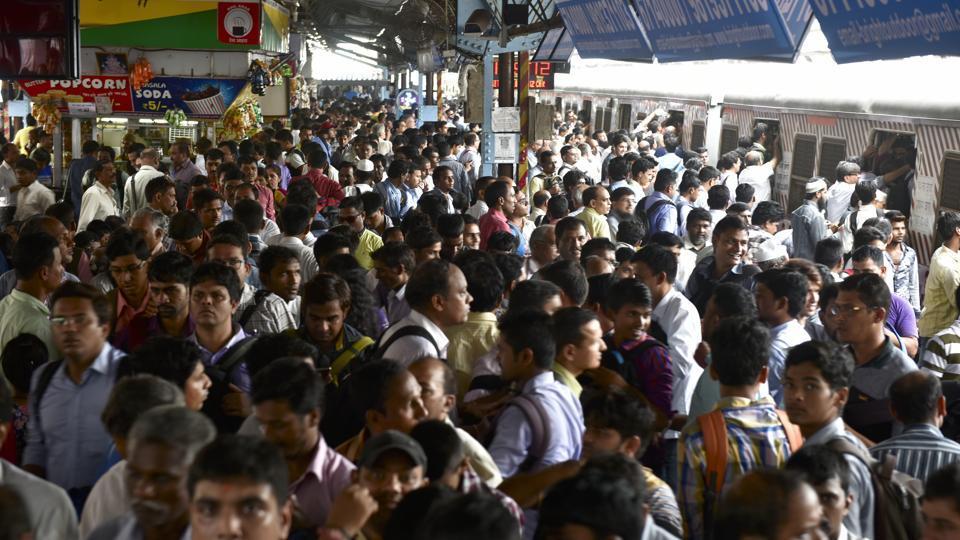 Awaaz Foundation,Central Railway,Mumbai trains