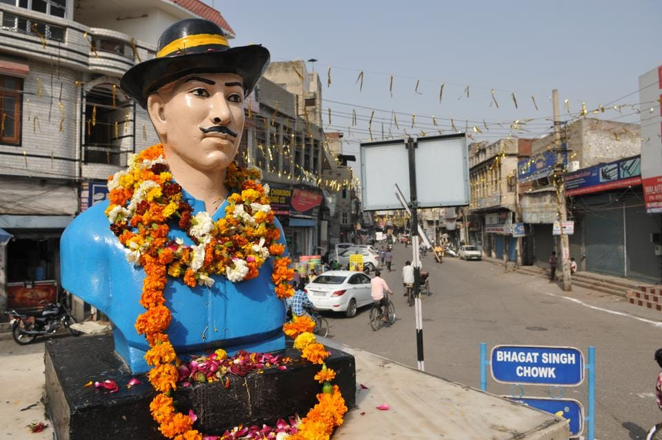 Statue of Shaheed-E-Azam , Bhagat Singh named as Bhagat Singh Chowk in Jalandhar. (Pardeep Pandit/ HT Photo)