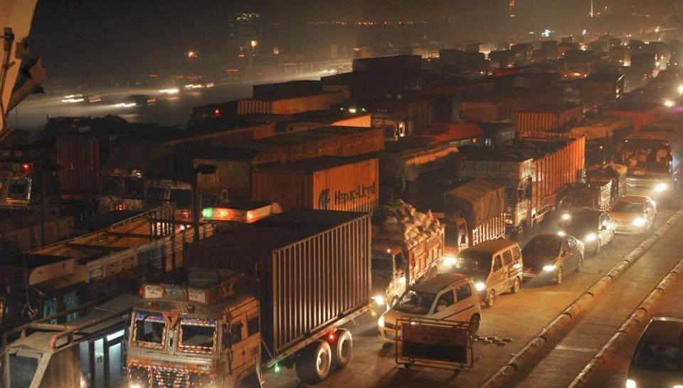 Gurgaon,Sirhaul toll plaza,Delhi-Gurgaon Expressway
