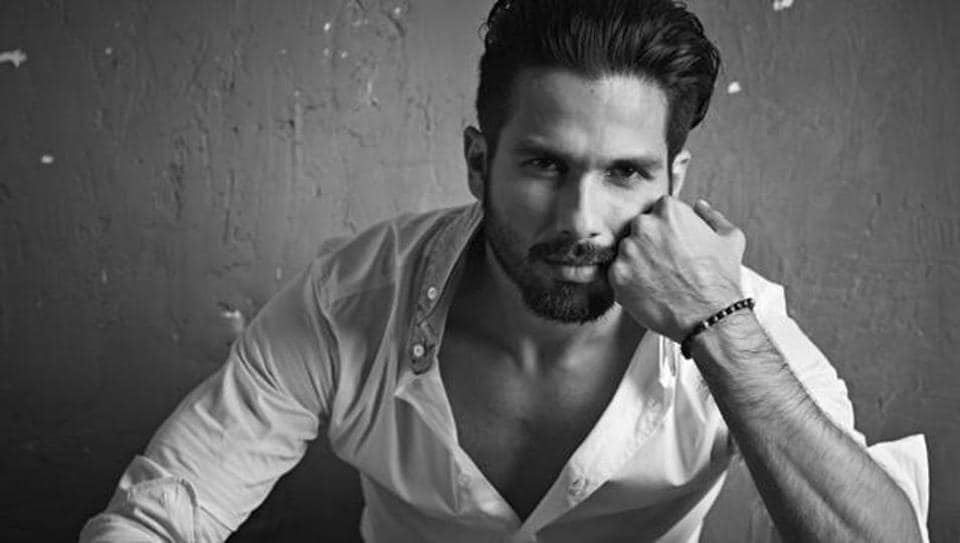 Shahid went for an arranged marriage with Delhi girl Mira, and they have a daughter named Misha.