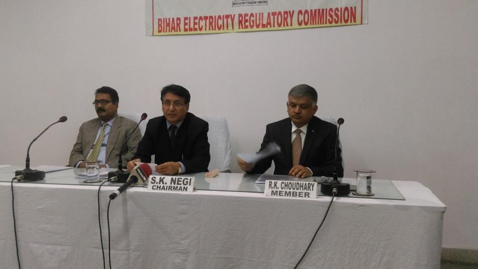 Bihar Electricity Regulatory Commission chairman SK Negi (centre) announcing the new power tariff in Patna.