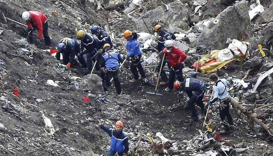 Germanwings crash,Andreas Lubitz,Cockpit Rule of Two