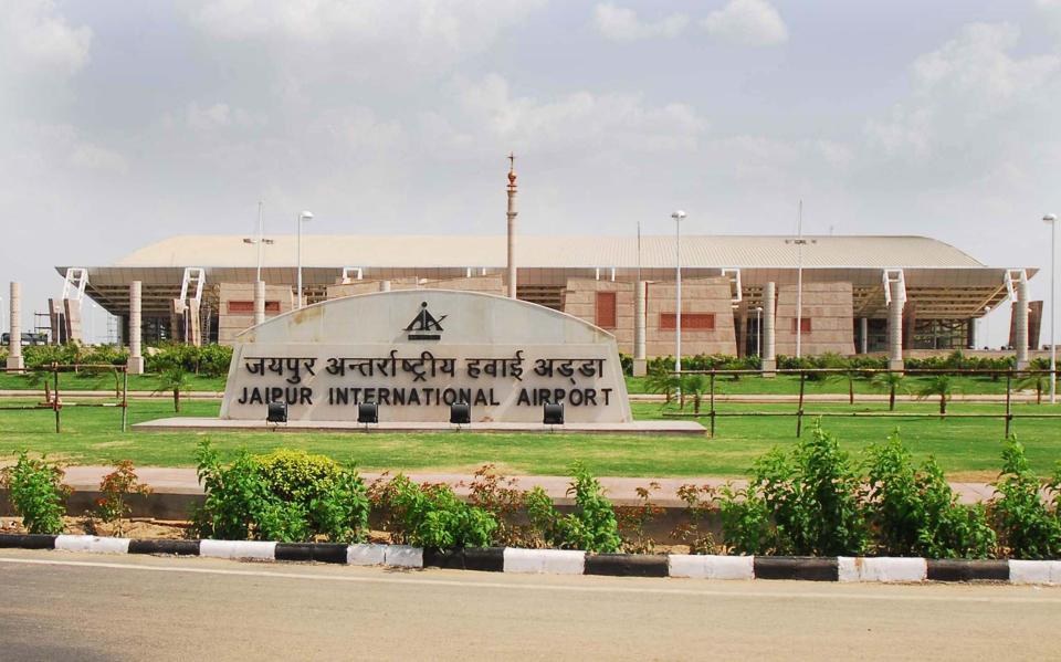 Two global players -- Daa International of Ireland and Vinci Airport Singapore -- are among the seven companies that have bid for running the terminal building and other operations at Jaipur airport.