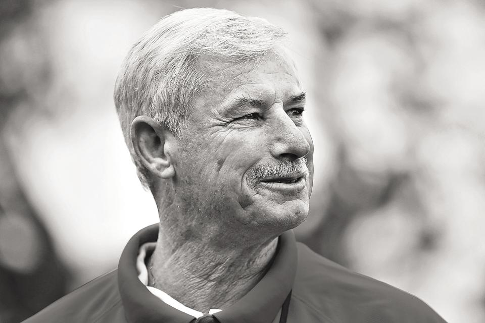 Sir Richard Hadlee, also called the Sultan of Swing, is one of the greatest fast bowlers and all-rounders in cricketing history