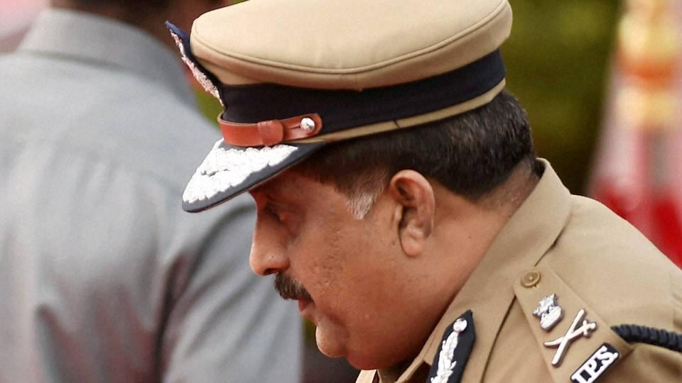 Election commission,Chennai police commissioner,DMK