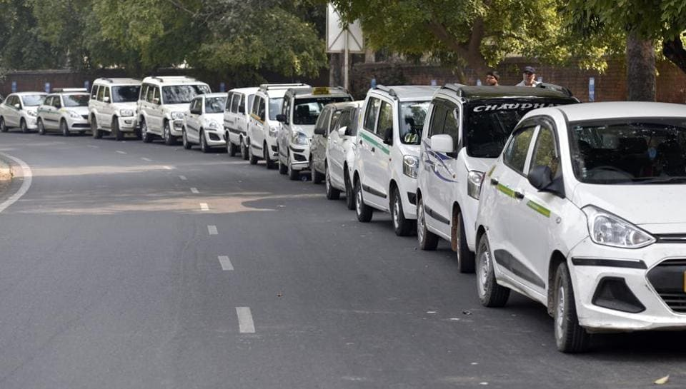 In the past three years, the growth rate of black-and-yellow taxis touched two digits, but tourist taxis witnessed a threefold increase in number.