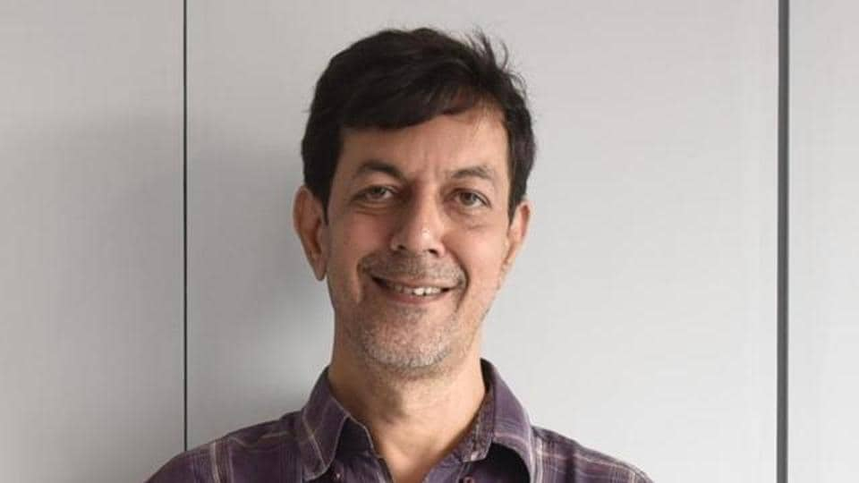 Raghu Romeo was Rajat Kapoor's first directorial venture.