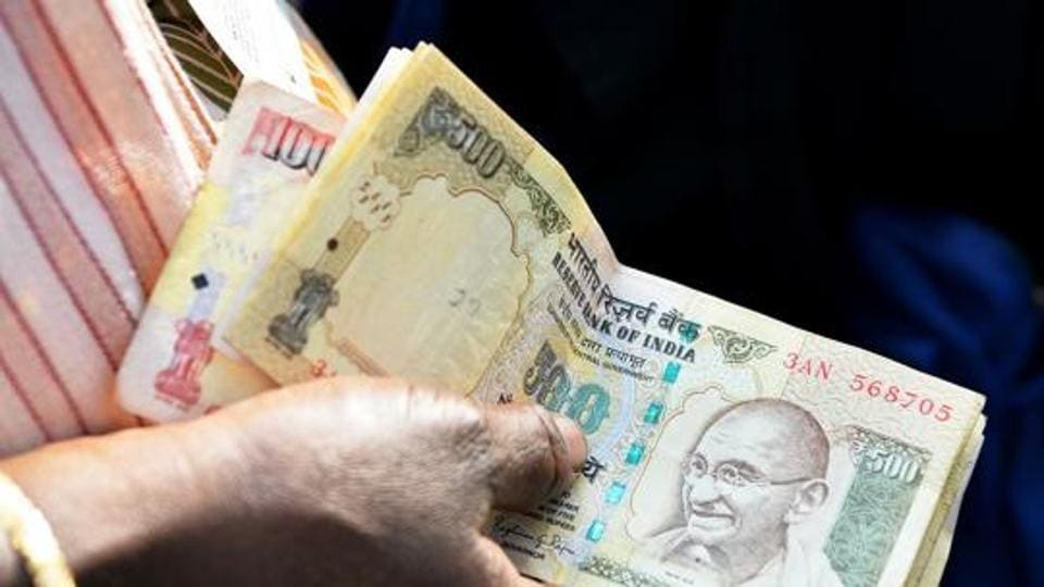 Kota Mp Steps In Says Will Help Siblings Exchange Rs 96 000 Old Notes