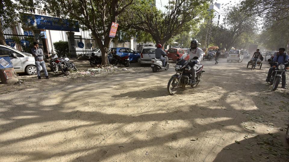 Gurgaon,anath road,udyog vihar phase 4