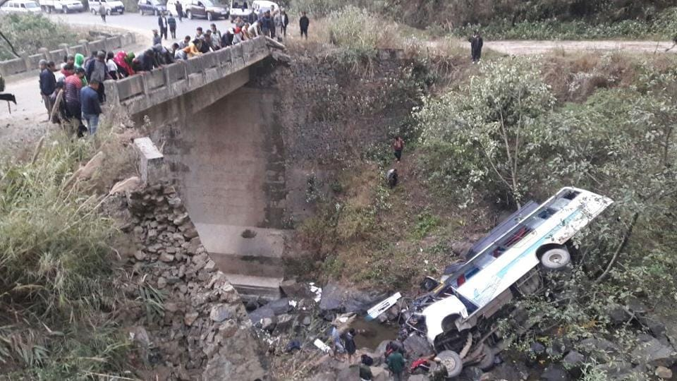 22 people killed in 2 road accidents in India