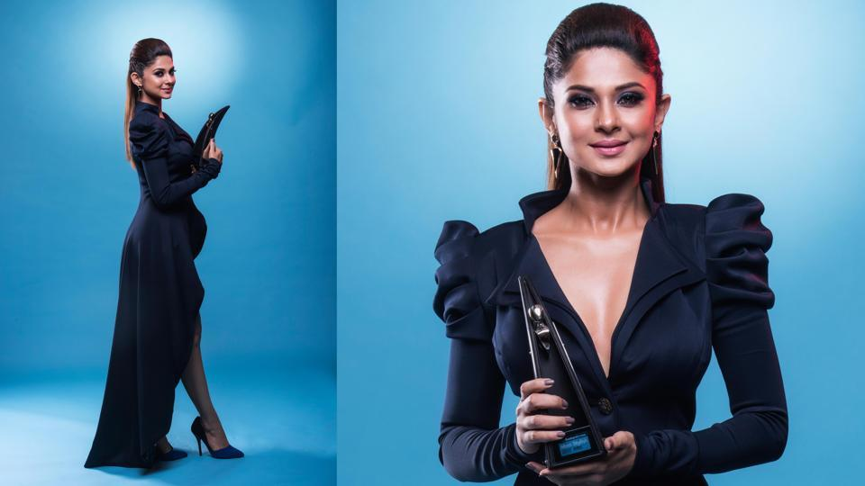 Jennifer Winget's hot looks and hotter style were the cynosure of all eyes . She won the Most Stylish TV Personality – Female. (Aalok Soni/HT Photo)
