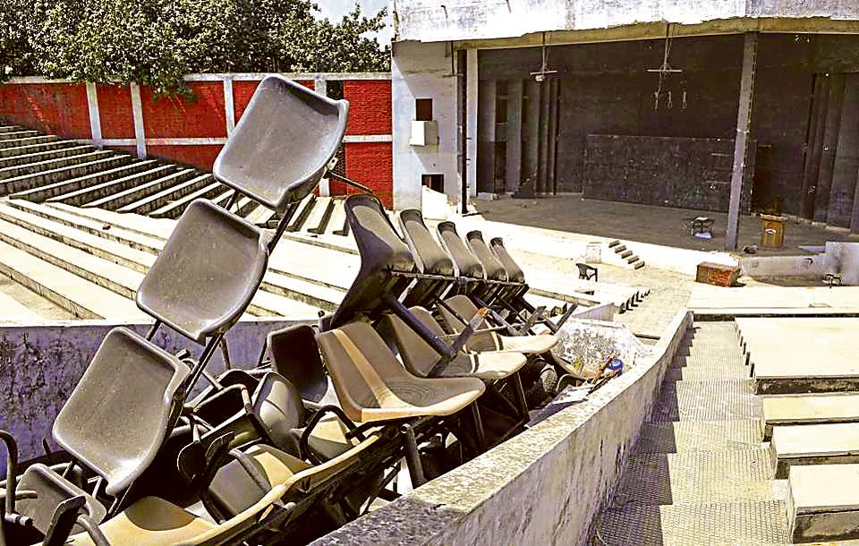 Chairs have been dumped in the middle of the sitting area of Balraj Sahni Open Air Theatre at Punjabi Bhawan in Ludhiana.