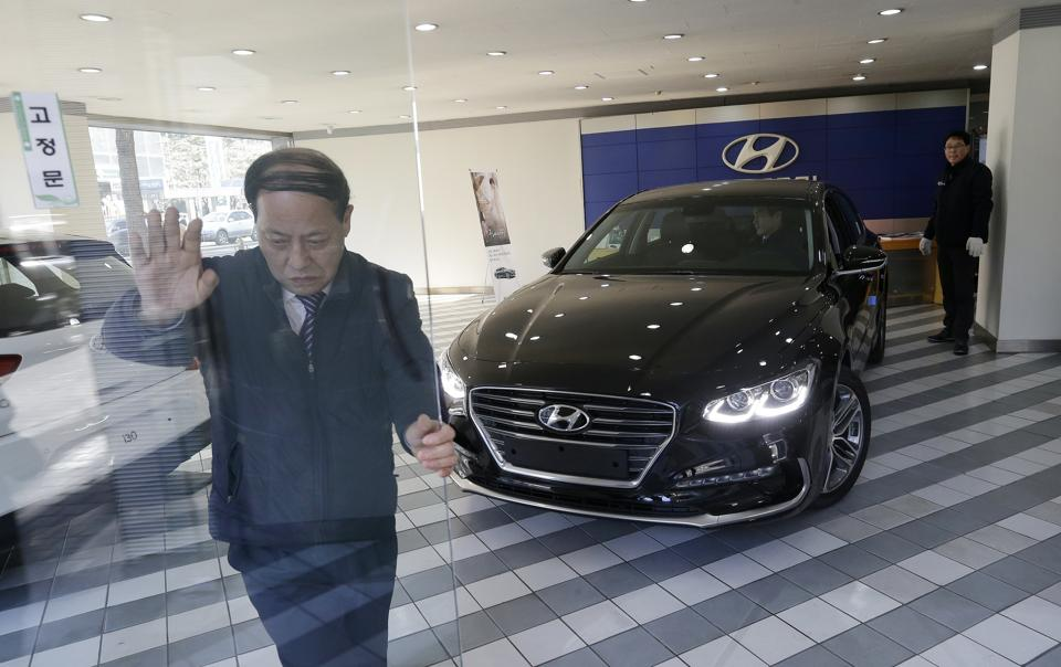 Hyundai Suspends China Plant For A Week Amid Political