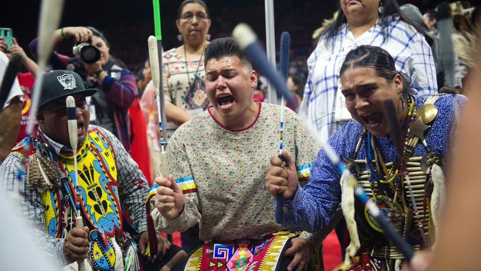 Inter-tribal Native American singers perform during the 43rd Annual Denver March Powwow. (Jason Connolly / AFP)