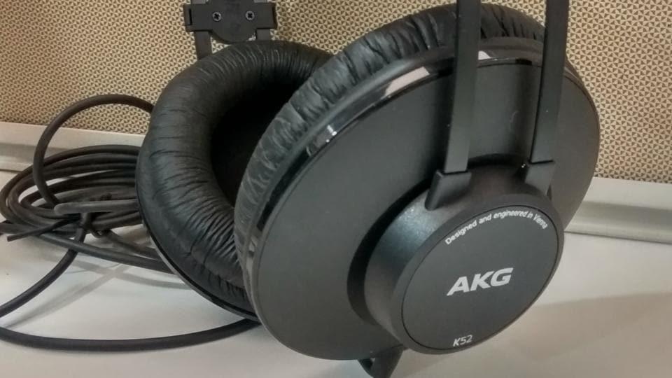 Harman,Harman AKG,AKG K52 headphones