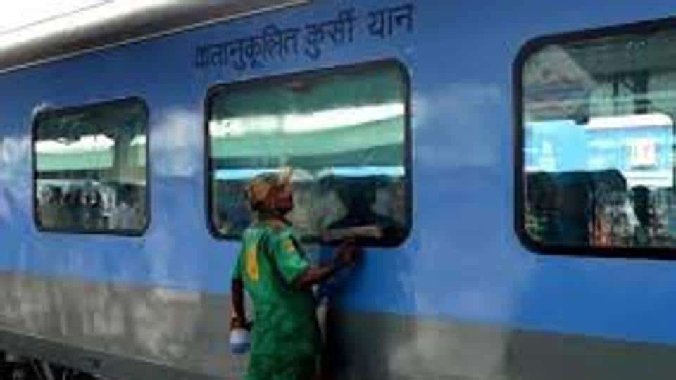Several passengers fell ill on the Kolkata-bound Rajdhani Express after eating suspected stale food served on the train.