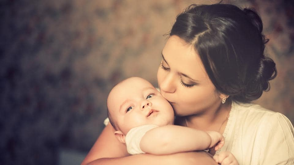 Doctors and pyschologists advice mothers to hug their babies more often.