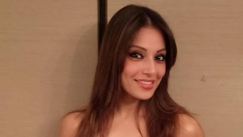 Bipasha Basu,Bipasha Basu pregnant,Bipasha Basu not pregnant