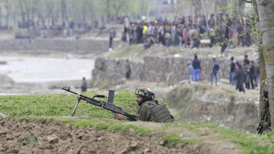 Security forces launched an early morning cordon-and-search operation in Chadoora following information about the presence of militants in the area.  (Waseem Andrabi / HT Photo)