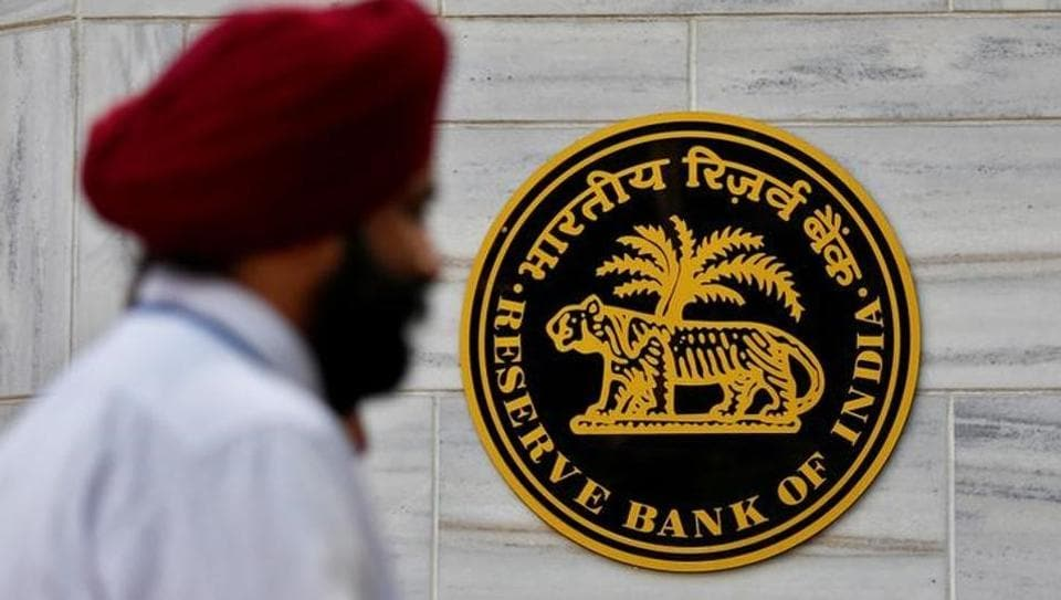 The RBI has said that banks have been advised that when opening an account, they should inform customers in a transparent manner regarding the requirement of maintaining a minimum balance and levy of charges in case of default.
