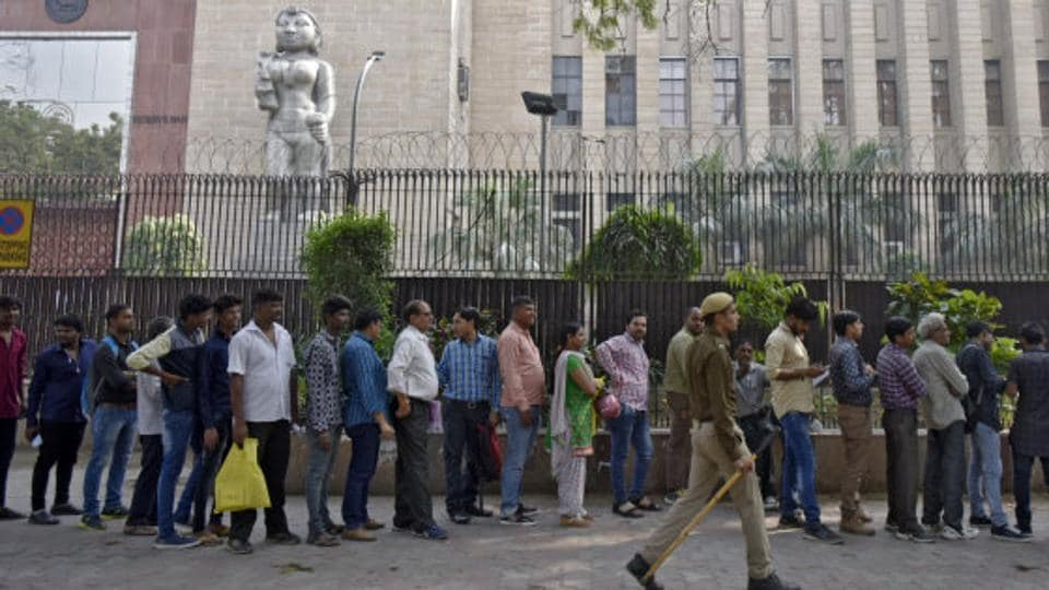 The government extended the deadline to deposit old notes for domicile residents, who were out of the country between 8 November and 30 December 2016 to March 31. For Non Resident Indians (NRIs), this deadline has been extended to June 30.