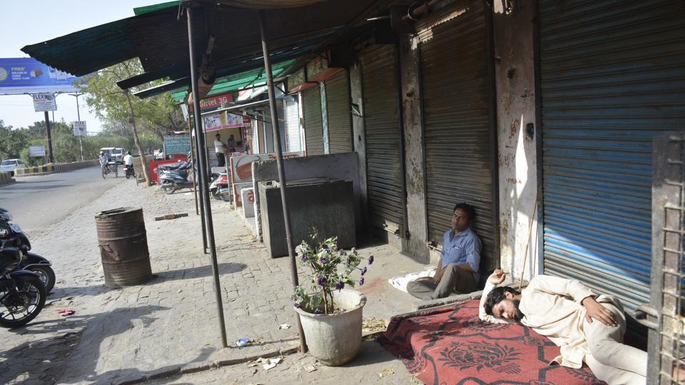 The meat shops were closed following the strike against the government's crackdown on slaughterhouses in Ghaziabad.
