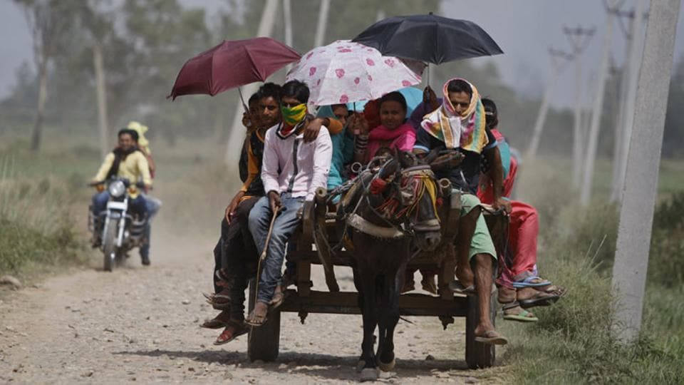 Nine states across peninsular India's northwest, west, central and north are sizzling under the heatwave conditions, with maximum temperature hovering above 40 degrees Celsius on Thursday.