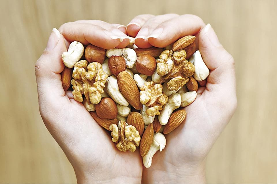 nuts,almonds,pecans