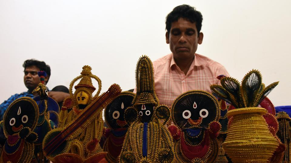 Paddy work handicrafts, an ornamentation style done by the indigenous Bhottoda tribe on display. (Arabinda Mahapatra/ht photo)