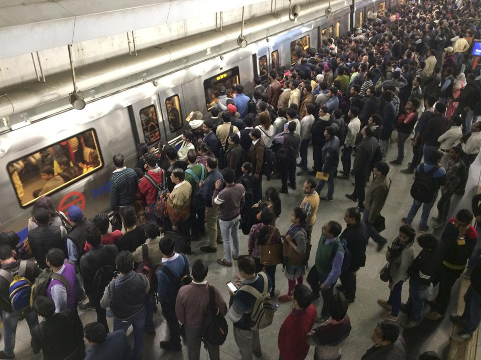 165 crore passengers travelled in the Delhi Metro between April 1, 2016 and March 29, 2017.