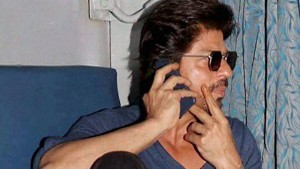 Actor Shah Rukh Khan travels from Mumbai to Delhi in a train while promoting his film Raees, during a stopover at Vadodara.