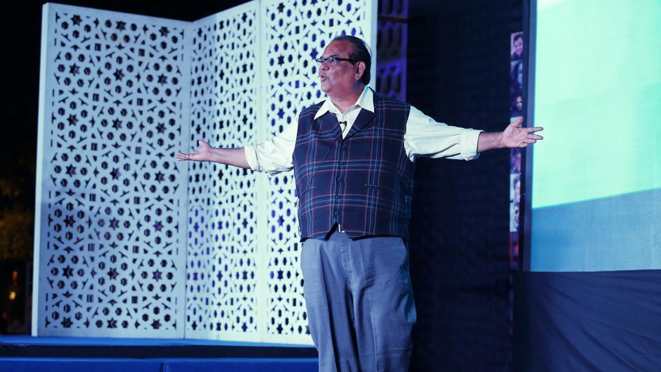Bureaucrats, actors like Satish Kaushik, Sushant Singh, Indresh Malik and lyricist Raj Shekhar came together to raise funds for the renovation of the Frank Thakurdas memorial auditorium.