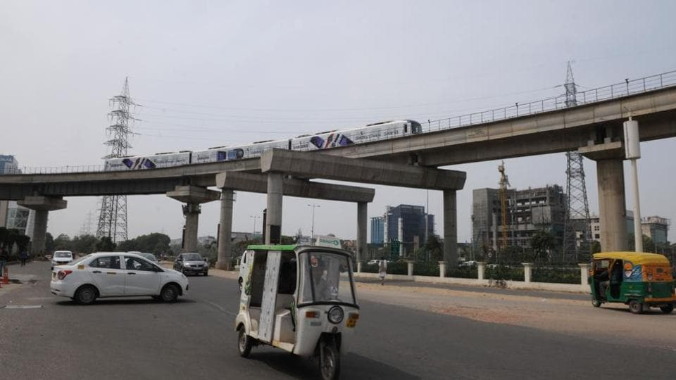 The second phase has five stations at DLF Phase 1, Sushant Lok, Sector 53/54, AIT Chowk and Sector 55/56. The line starts from Sikanderpur Metro station on Delhi Metro's Yellow line.