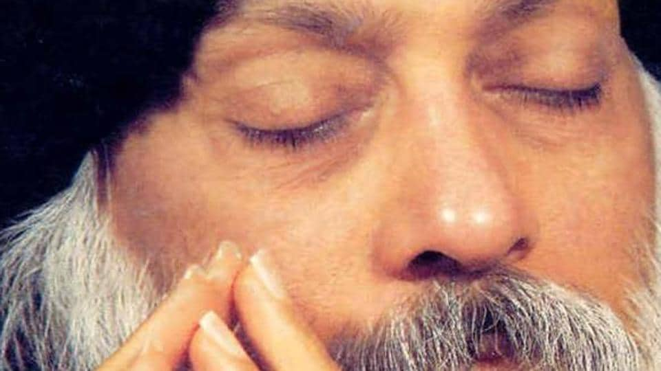 The book traces the early years of Osho and his Neo-Sannyas Movement and the magnetic appeal that drew a large number of Indians and Westerners, many of them highly accomplished, towards him.