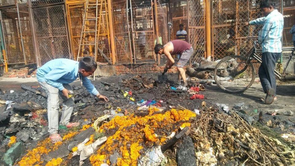 Delhi fire,Delhi news,Flower market