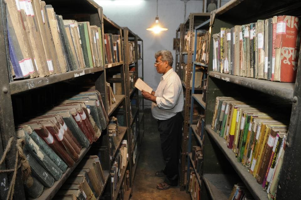 Konnagar Public Library was established on April 01, 1858 at Konnagar, Hoogly Distin West Bengal. Now , layers of dust have covered bound volumes of Bengal's important 19th and 20th-century books and periodicals on the first floor room that is hardly opened.  (Samir Jana/HT PHOTO)