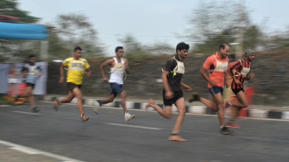 The run continues on the Eastern Express Highway near Godrej in Mumbai. (Prashant Waydande/HT )