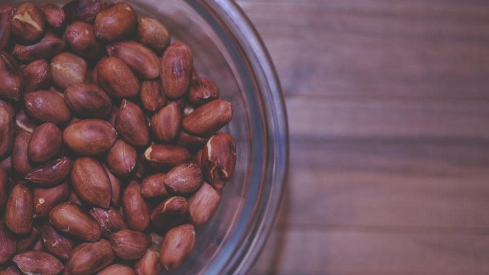 Peanuts are a rich source of good protein and antioxidants.