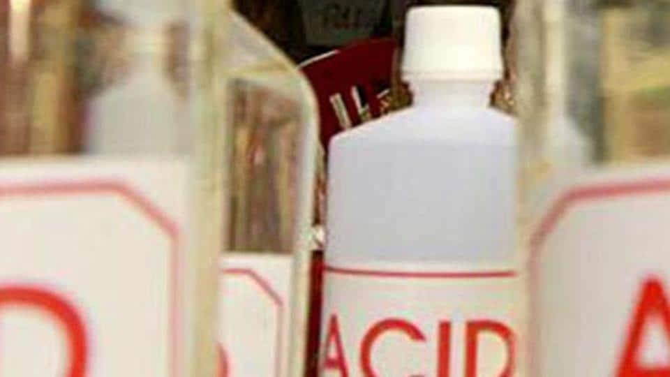 Acid attack,Inter-family dispute,Acid attack victim