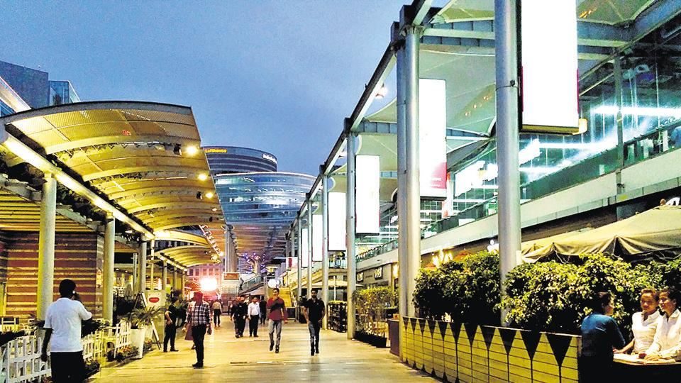 The customers were few  and far between as the CyberHub went dry on Saturday.