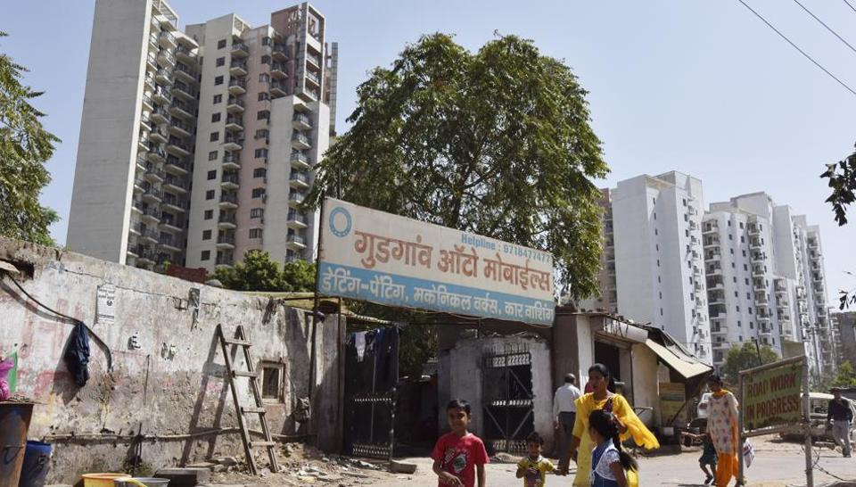 Encroachment in front of Uniworld Garden -1 on Sohna Road.