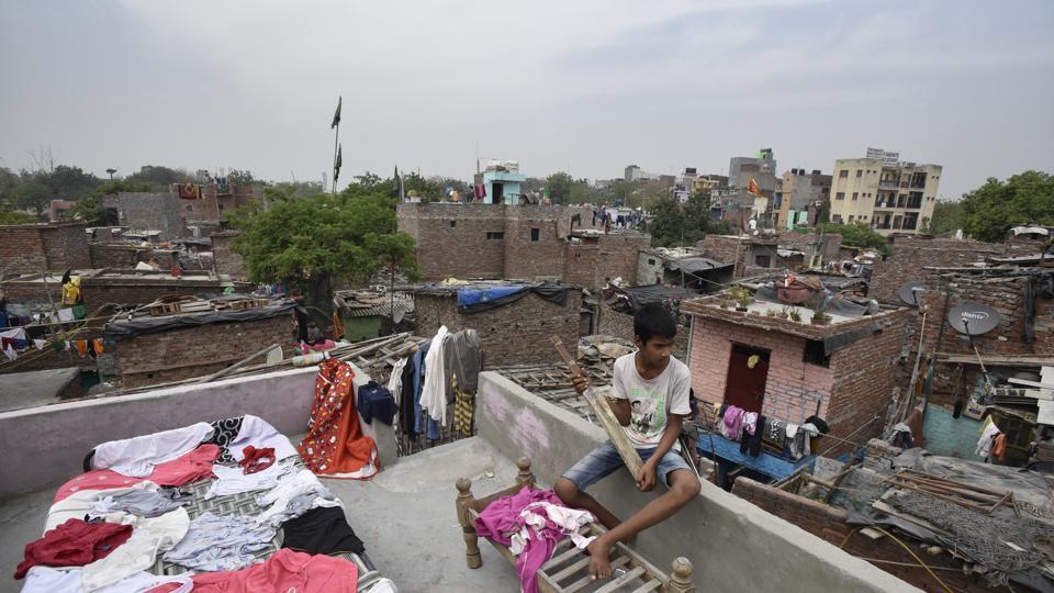 According to a rough estimate, 300 of the 800 slum clusters in Delhi are located in east and northeast Delhi.