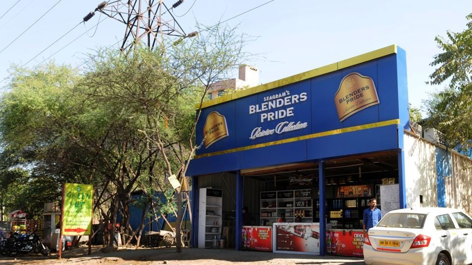 The liquor shop at Udyog Vihar Phase 4 has been operating for 10 years.