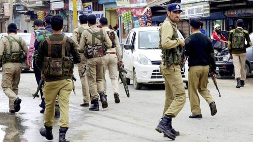 14 mobile phones were seized from  Baramulla jail inmates, including separatist Masrat Alam, during a raid on Sunday.