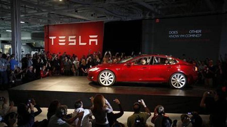 Tesla,sales,electric car
