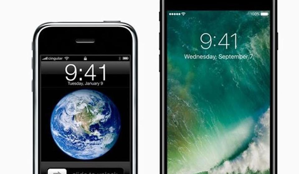 Apple is expected to unveil its 10th anniversary iPhone 8 in September and reports claim that all of them will come with a new screen technology.