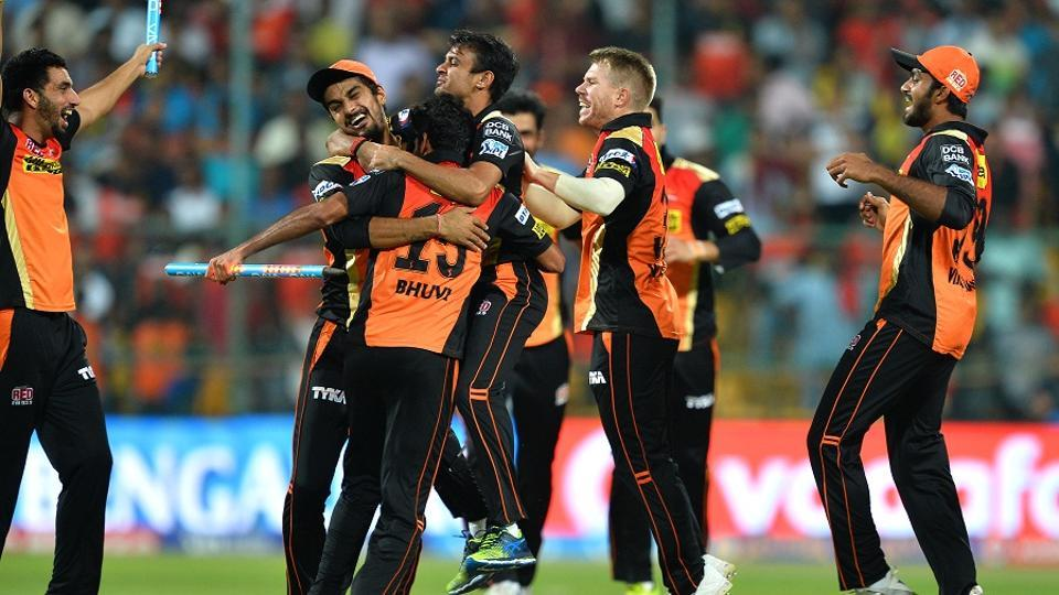 Defending champions Sunrisers Hyderabad take on Royal Challengers Hyderabad in the opening match of Indian Premier League 2017. The match will be played in Hyderabad from 8 PM on April 5. Live streaming and live cricket score will be available online. Get all details here.